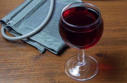 Алкоголь и высокое кровяное давление изобраение