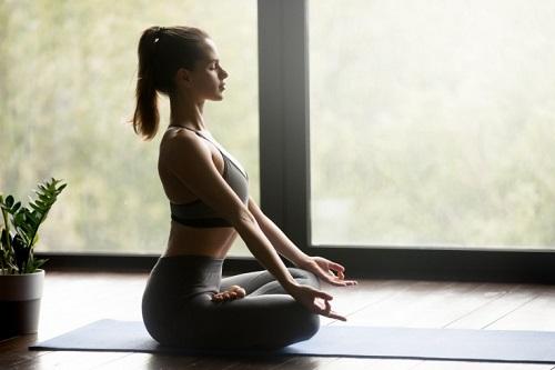 Медитация - первая помощь бросающим курить изображение